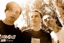 Thumbnail of blink-182